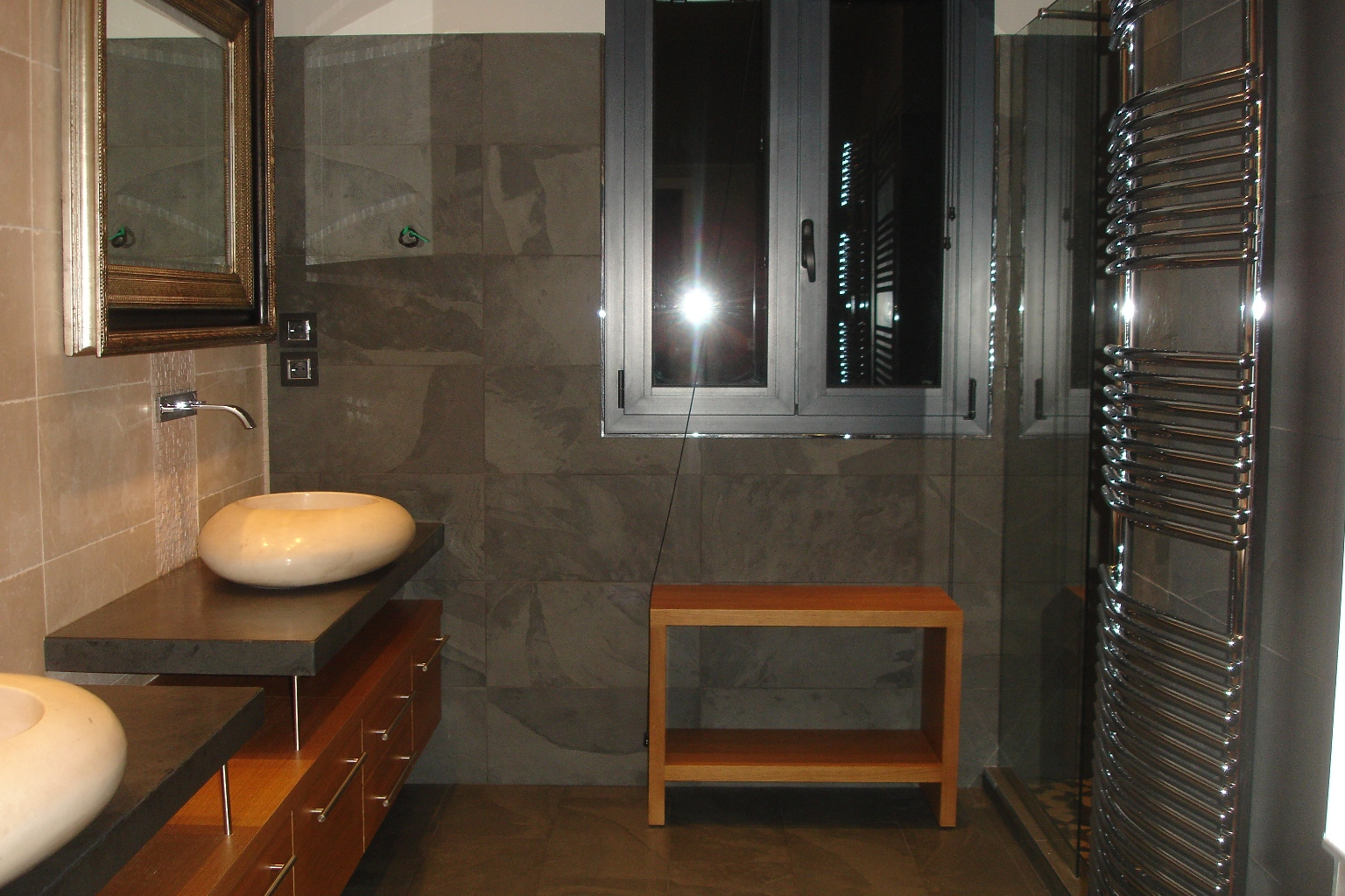Pin by atebuobye erairi on slate pinterest for Salle de bain 2m2